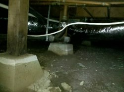 Ducts in crawlspace